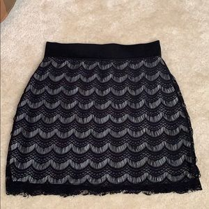 Free people black scalloped skirt sz XS